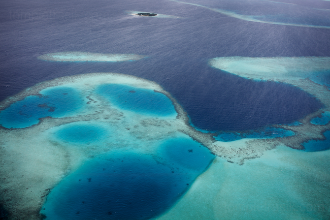 The turquoise-blue seas of the Maldives. ©Tom Pietrasik 2009