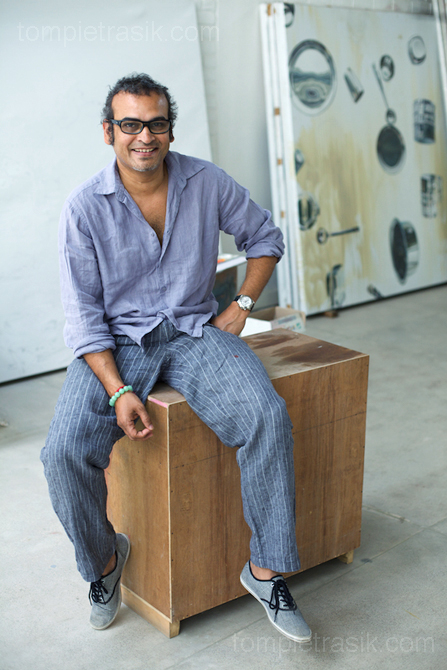 Artist Subodh Gupta in his Gurgaon studio. Haryana, India ©Tom Pietrasik 2009