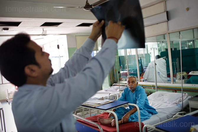India hospital patient doctor 4